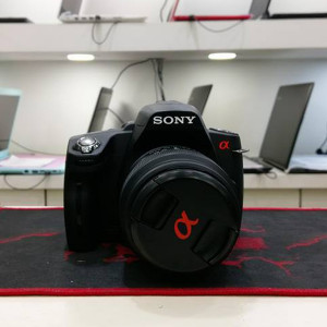 Sony Alpha A390 DSLR Camera with 18-55mm Lens